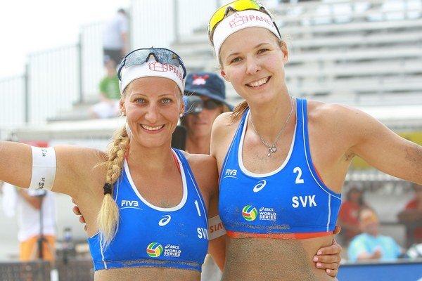 Natálii Dubovcovej (vpravo) a Dominike Nestarcovej úvod turnaja nevyšiel.
