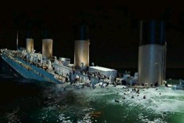 Väčšina recenzií sa zhoduje, že Titanic 2012 sa oplatí vidieť a že zmena oproti originálu z roku 1997 je len k lepšiemu