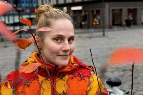 Alexandra Salmela žije vo Fínsku a získala tam národnú cenu za literatúru.