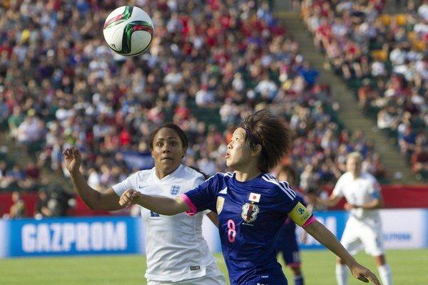 Kapitánka Japonsko Aya Mijamová (č. 8) strelila prvý gól zápasu.