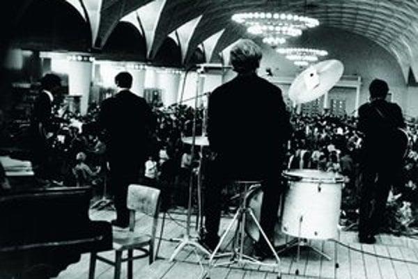 The Beatmen počas vystúpenia v Prahe, máj 1965