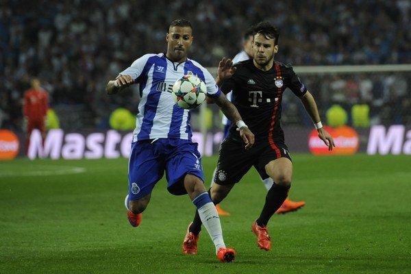 Ricardo Quaresma (vľavo) bol hrdinom FC Porto v zápase proti Bayernu.