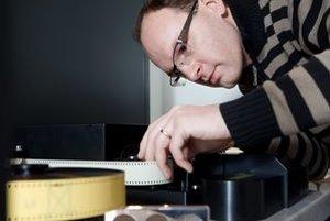 Ladislav Dedík (1975)Zakladateľ a vlastník postprodukčného štúdia 727. Vyrastal v Pezinku. Na Fakulte architektúry Slovenskej technickej univerzity absolvoval grafický dizajn. V roku 1997 založil štúdio 727 pre strih a animačné služby, dnes ponúka škálu