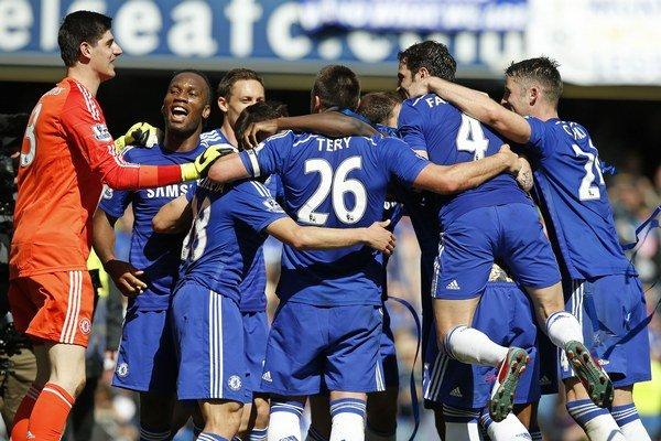 Chelsea oslávila titul.