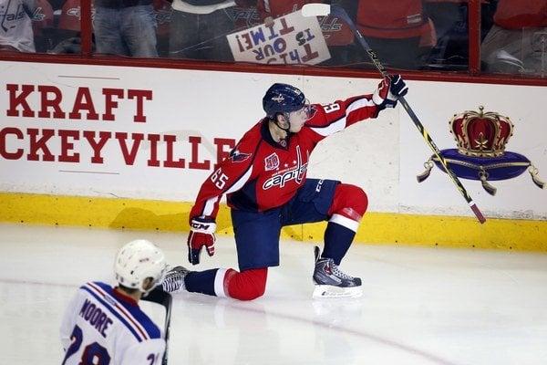Burakovsky prežil skvelý hokejový večer.