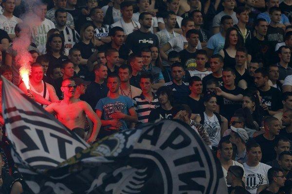 """Belehradskí """"grobari"""" môžu oslavovať zisk ďalšieho ligového prvenstva."""