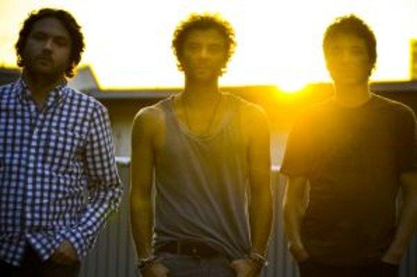 Martin Stempel (vpravo), Tomáš Sloboda a Juraj Vitéz sa dali dokopy v roku 1996. Za desať rokov existencie Le Payaco vydali štyri štúdiové albumy, jedno EP a štyri single naspievanév angličtine. Dnes každý funguje vo vlastných projektoch.