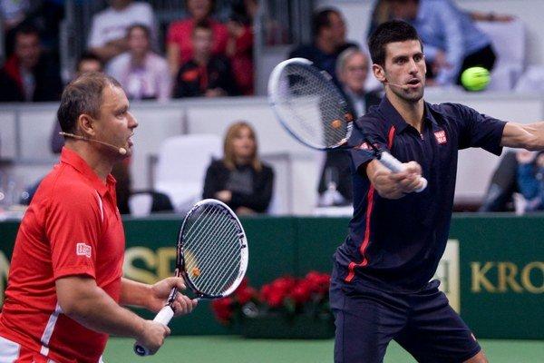 Marián Vajda (vľavo) a Novak Djokovič.