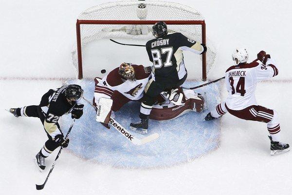 Crosbyho gól Arizone.