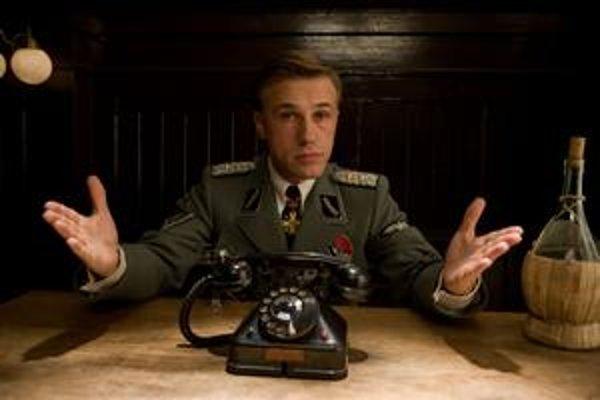Vo filme Nehanební bastardi hral Christopher Waltz nacistického fanatika, v novom Tarantinovom filme Django Unchained bude pomáhať otrokom na úteku.