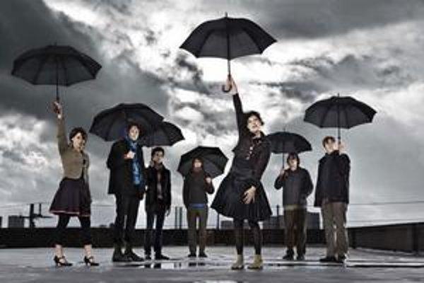 Arcade Fire si za The Suburbs odniesli cenu Grammy za album roka.