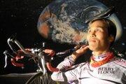 Okhwan Yoon, cyklista, ktorý na bicykli prešiel takmer dvesto krajín.