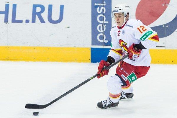 Steve Moses z Jokeritu je najlepším strelcom KHL. V Ufe sa však strelecky nepresadil.