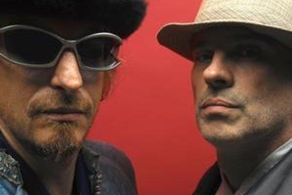 Zakladatelia Ninja Tune Matt Black a Jonathan More sú zároveň sami muzikantmi. Ich projekt Coldcut sme videli naživo na festivale Pohoda 2006 a vlani v Bratislave.