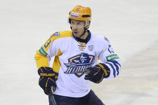 Hráč Atlant Mytišči Viačeslav Kozlov.