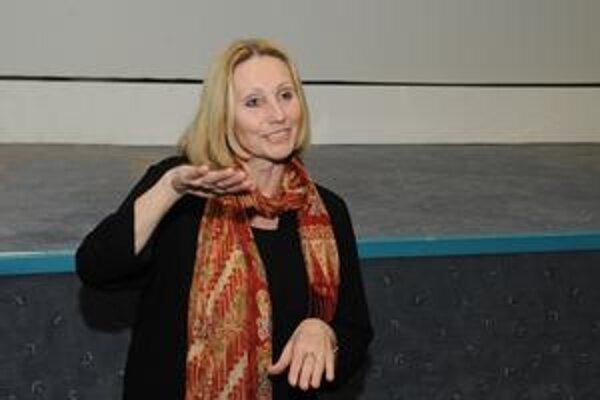 Olga Sommerová (1949) česká dokumentaristka, pedagogička a spisovateľka. Absolvovala Katedru dokumentárnej tvorby na FAMU v Prahe, pracovala pre Krátky film Praha, od revolúcie hlavne pre Českú televíziu. Nakrútila viac než stovku filmov, najmä autorských