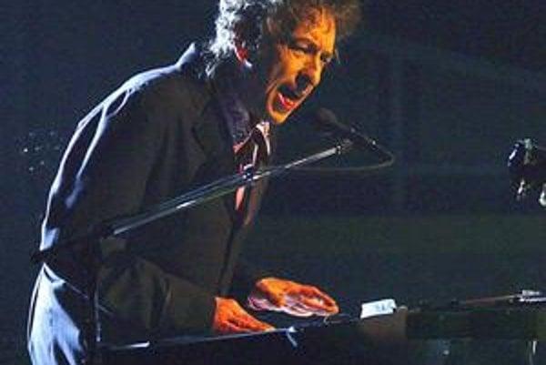 V poslednom čase je Dylan viac klávesák než gitarista.