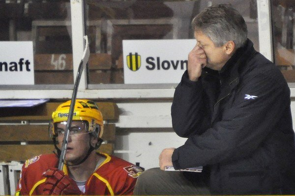 Dušan Gregor (vpravo) ešte ako tréner Dukly Trenčín.