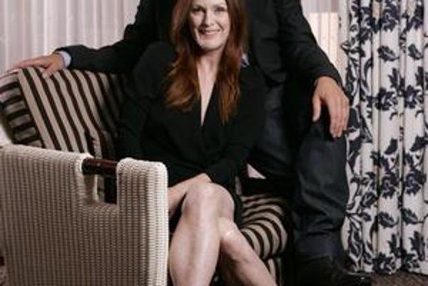 Režisér Atom Egoyan a Julianne Moorová na prezentácii v Toronte.