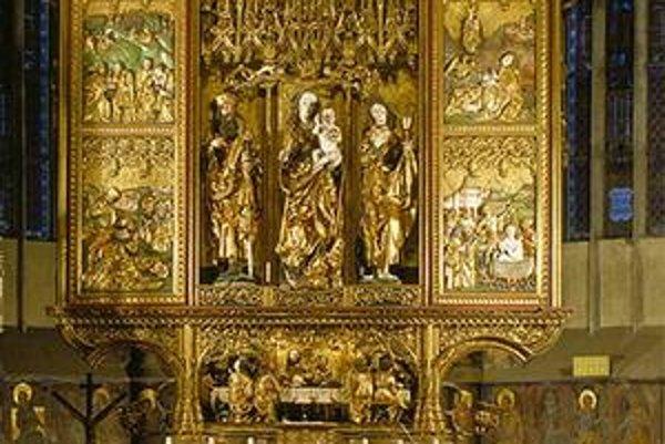 Oltár v chráme sv. Jakuba patrí k vrcholným dielam európskej gotiky.