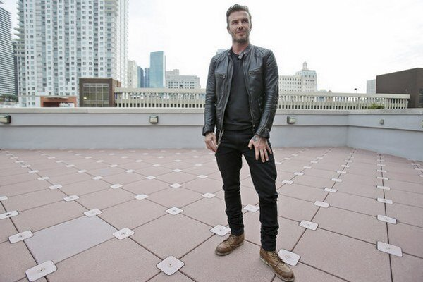 Bývalý kapitán anglickej reprezentácie David Beckham.