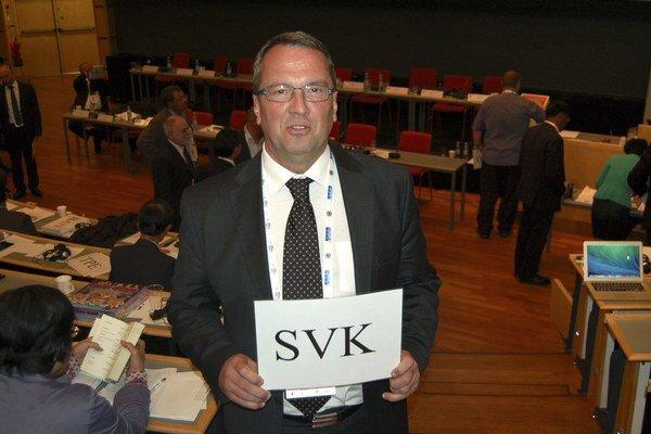 Prezident Slovenského šachového zväzu (SŠZ) Martin Huba v pondelňajších voľbách prezidenta Medzinárodnej šachovej federácie v Tromsö. Prezidentom FIDE sa na obdobie ďalších štyroch rokov opätovne stal Kirsan Iljumžinov. Neuspel jediný protikandidát Garri