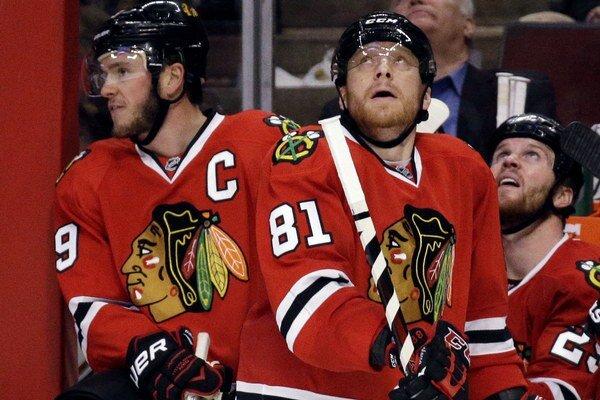 Marián Hossa (č. 81) čaká na svoj tisíci bod v NHL.