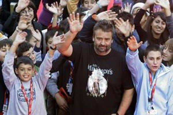 Luc Besson, režisér, producent, scenárista. V poslednom čase pracoval na tom, aby sa filmy dostali aj do ulíc, k chudobnejším Francúzom z predmestí.