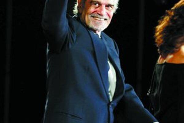 Omar Sharif má 76 rokov. Najvyšší čas dostať cenu aj na festivale Artfilm v Trenčianskych Tepliciach.