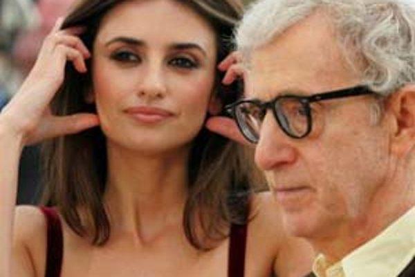 Woody Allen a Penelope Cruzová v Cannes. Predstavili film Vicky Cristina Barcelona.