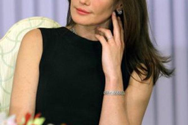 Prvá dáma Francúzska Carla Bruniová-Sarkozyová.