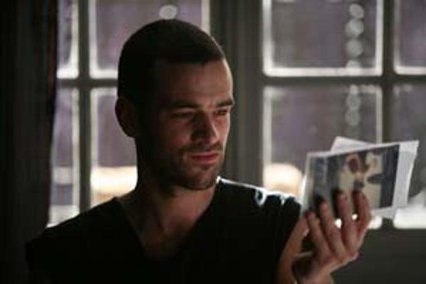 Kedysi bol Pierre (Romain Duris) tanečník. Teraz je chorý a má kopec času rozmýšľať o živote.