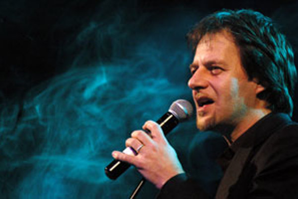 Populárna slovenská kapela TEAM na čele so spevákom Paľom Haberom absolvuje v apríli koncertné turné.