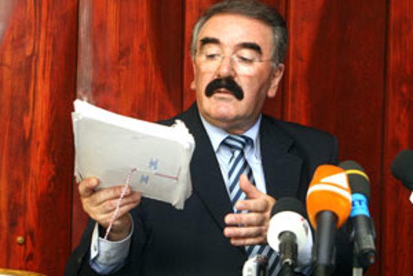 Viceprimátor Banskej Bystrice a známy spevák populárnych piesní Robo Kazík.
