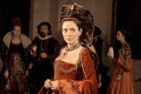 V dlho očakávanej novinke Juraja Jakubiska hrá hlavnú úlohu herečka Anna Friel. Pomôže filmu, že je Angličanka?