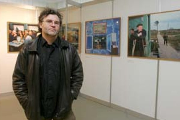 Carl de Keyzer, belgický fotograf. Začal v roku 1982 ako fotograf na voľnej nohe, od roku 1994 je členom Magnum.