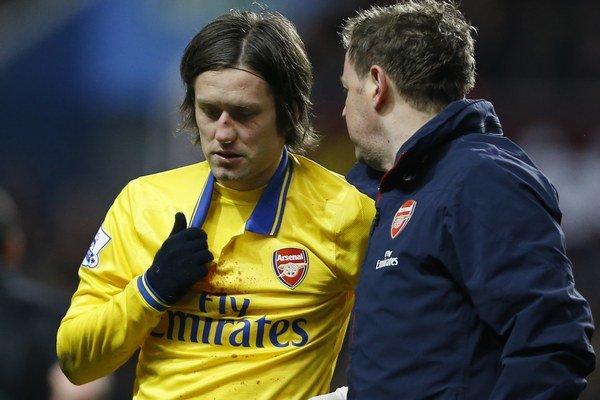 Zranený hráč Arsenalu Tomáš Rosický.