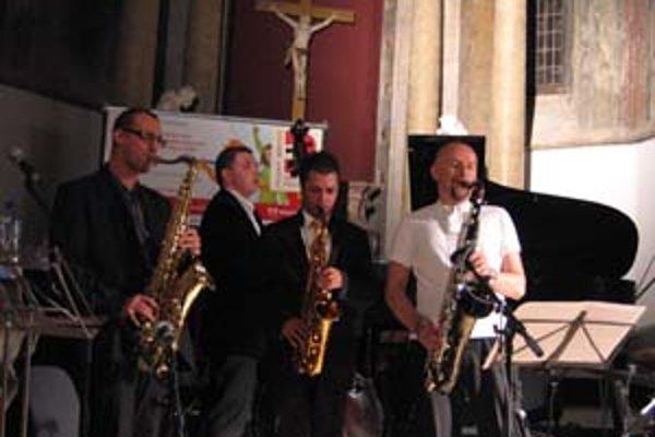 Zľava: Ondřej Štveráček, Tomáš Bartoš, Rado Tariška a Adam Pieronczyk na koncerte v klariskom kostole.