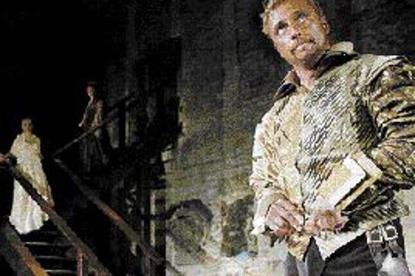 Letné shakespearovské slávnosti: tragický príbeh OthellaPomaly sa končí leto a s ním sa blížia k záveru aj Letné shakespearovské slávnosti. Najdlhšie prebiehajú predstavenia v Prahe. Až do polovice septembra sa na Pražskom hrade možno nechať uniesť tragi