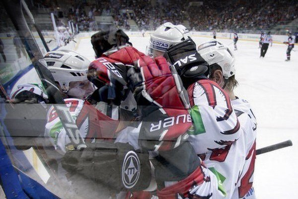 V KHL pokračuje zápasový program aj v pondelok.