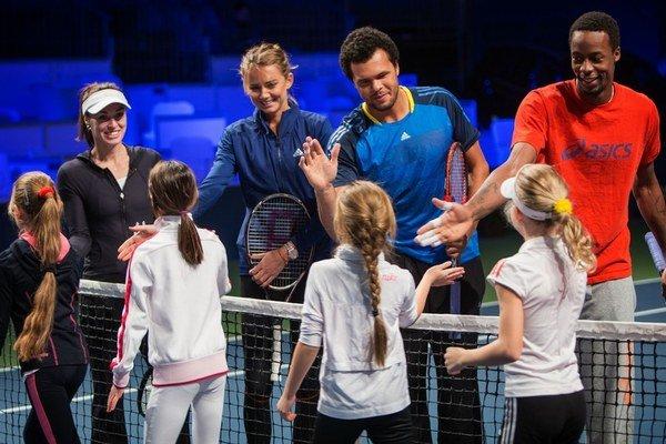 Po Petovi Samprasovi, Goranovi Ivaniševičovi, Caroline Wozniackej a Novakovi Djokovičovi sa na Slovensku predviedli ďalšie veľké tenisové hviezdy.