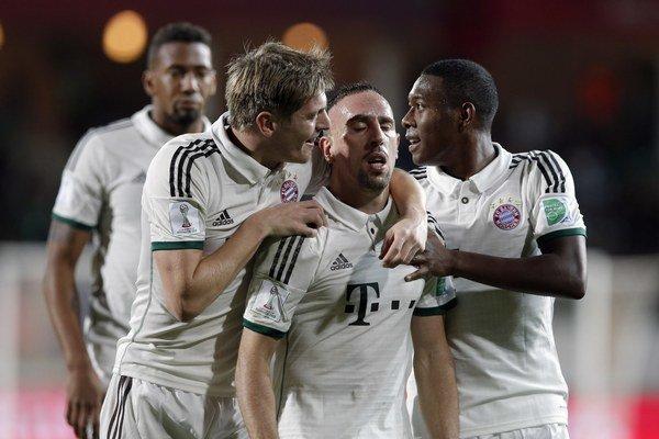 Franck Ribéry (v strede) strelil prvý gól Bayernu.