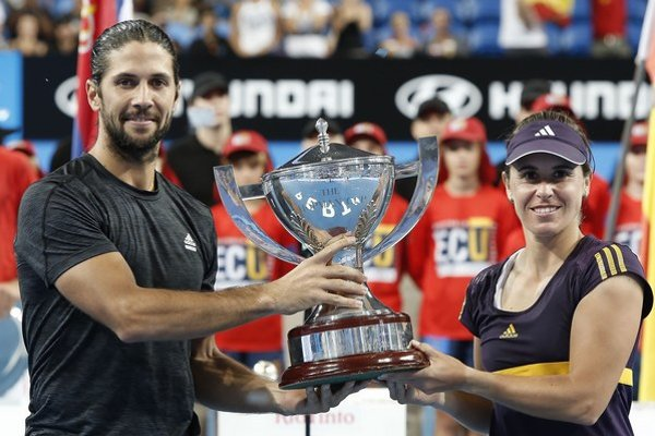 Víťazi Hopmanovho pohára 2013, Španieli Fernando Verdasco a Anabel Medinová-Garriguesová.