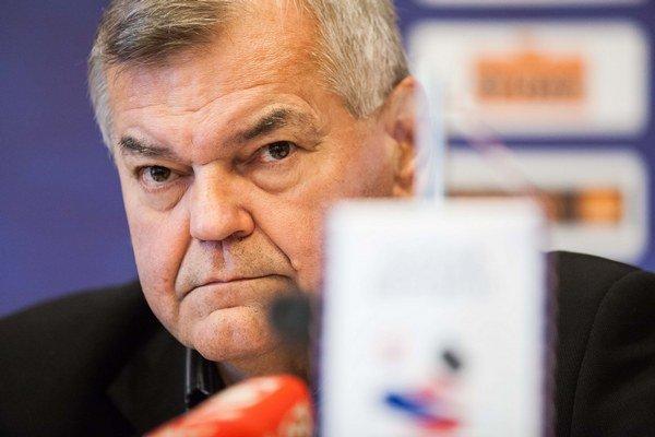 Tréner Vůjtek.