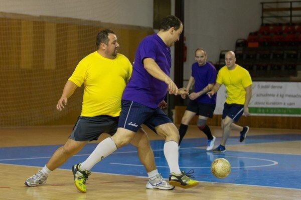 V Pezinskej minifutbalovej lige hrávajú amatéri i registrovaní hráči.