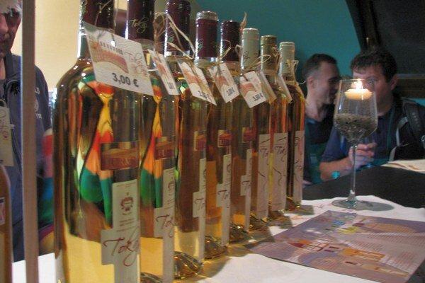 Lahodné vína budú môcť opäť ochutnať návštevníci Dňa vínnych pivníc.