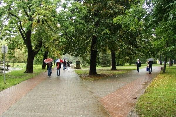 Park Janka Kráľa bude od 1. októbra obecným chráneným územím.