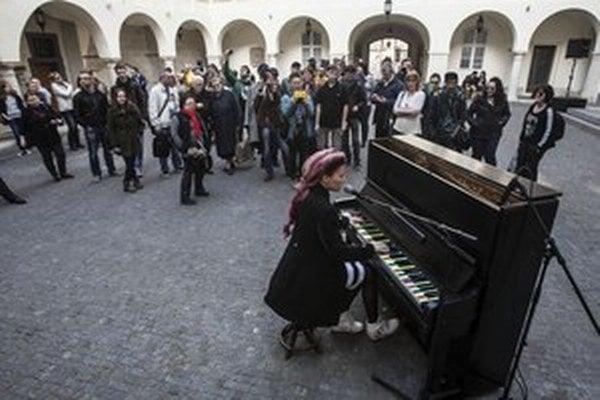 Klavír v centre Bratislavy.