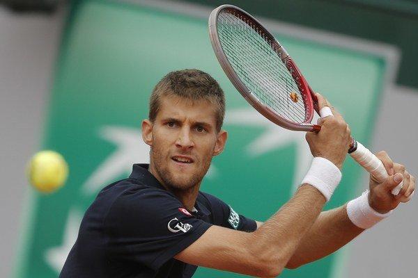 Martin Kližan si obľúbil antuku, ale najviac bodov má z turnajov na betóne. Tréner tvrdí, že má hru aj na trávu.