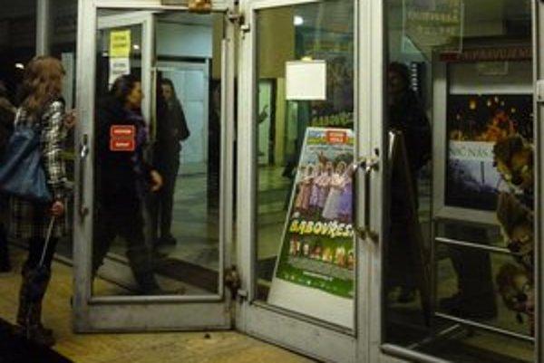Na verejné diskusie využíva OZ Publikum aj trnavské kino Hviezda.
